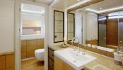 Master ensuite quaranta superyacht
